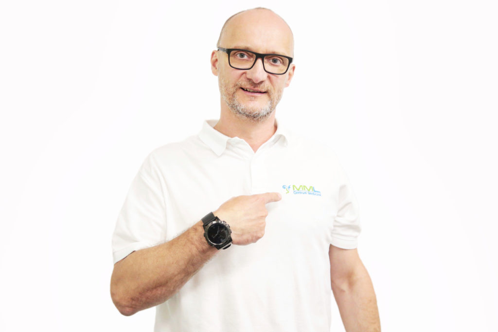 dr Michał Michalik - laryngolog z kliniki MML